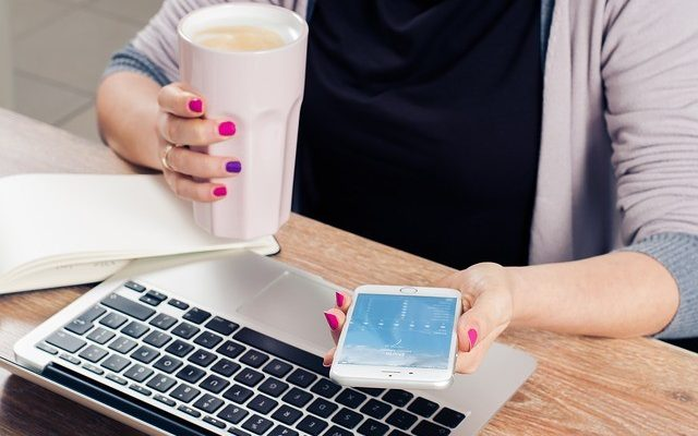 The smartphone overcomes the computer as the device most used by SMEs