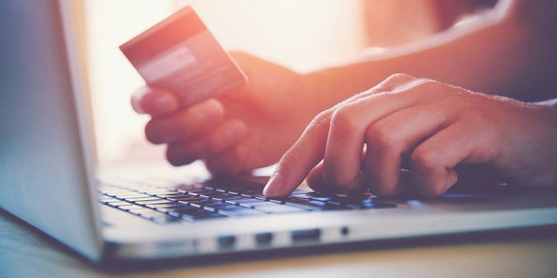 consumer-buying-online